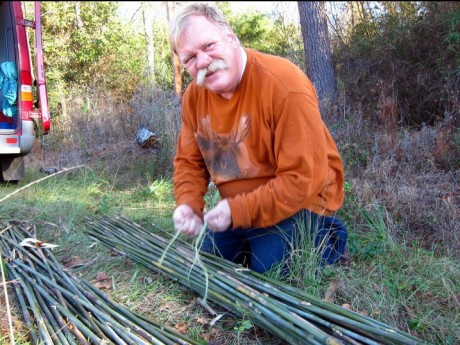 Tying the bundles of cane.